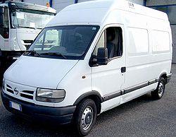 Nissan Interstar Kombi 2.5 dCi 120 Hochdach